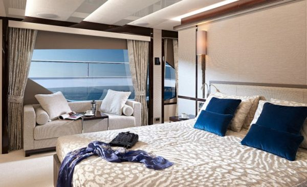 Sunseeker 95 master suite