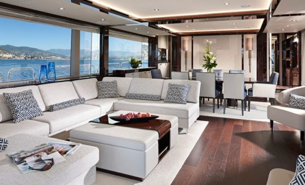 Sunseeker 95 main salon