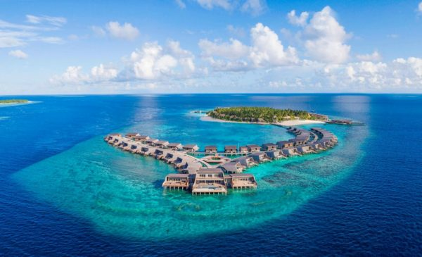 A Maldives' Private Island & Yacht All to Yourself for $250,000 Per Night